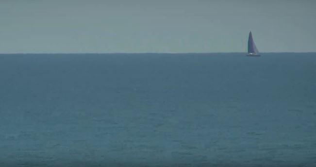 SeaWithBoat.jpg