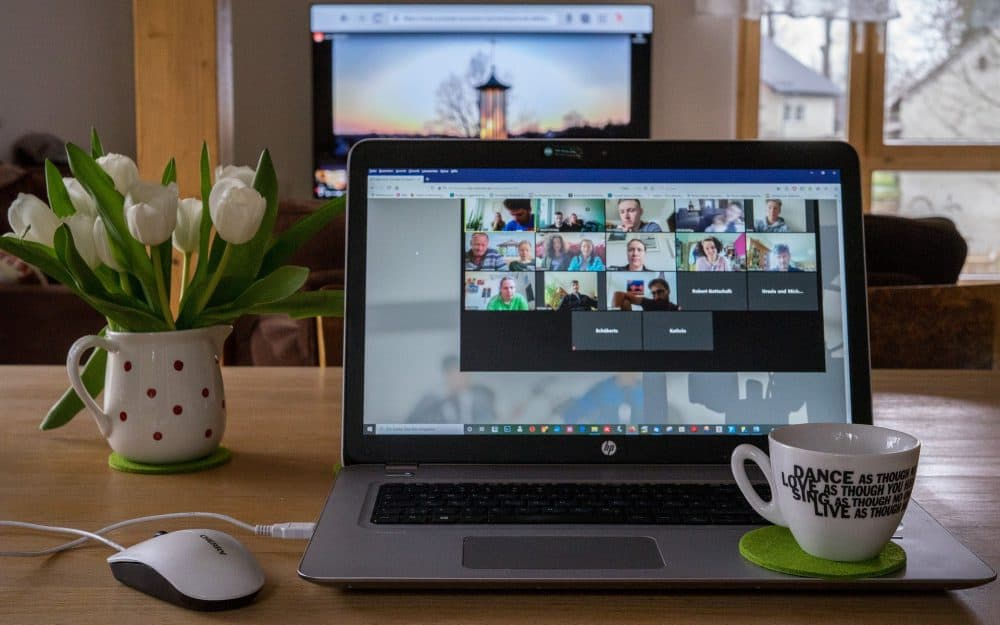 Home working etiquette 6 Encourage video conferencing
